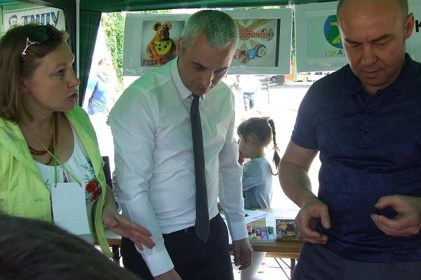 Під час VI «Наукових пікніків» показали чим будуть «оздоровлювати» Тернопільський став (Фото)