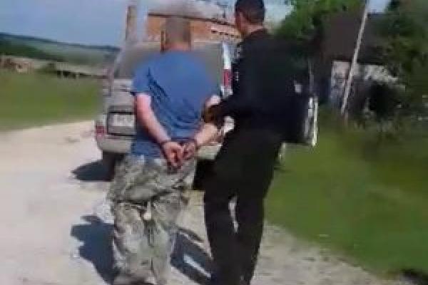 П'яного начальнику лісгоспу з опором затримали у Монастириськах