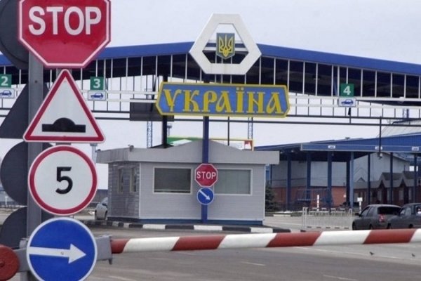 Львівська митниця пояснила причини черг перед митними постами «Північний» та «Західний»