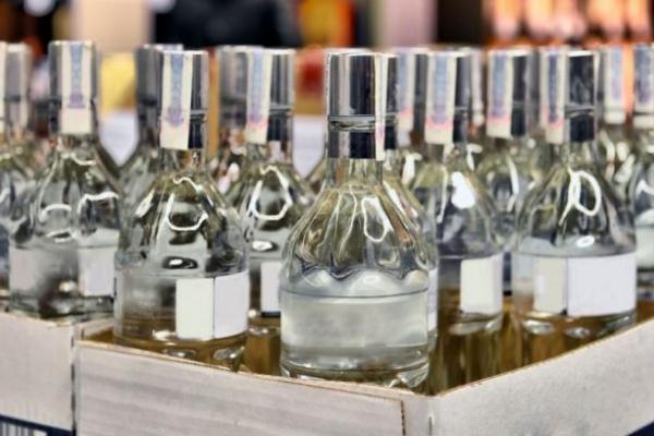 Масштабну мережу із реалізації нелегального алкоголю та тютюну викрили на Тернопільщині (Відео)