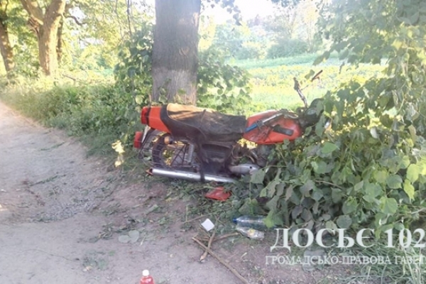 ДТП на Тернопільщині: одна людина загинула, двоє з численними травмами у лікарні