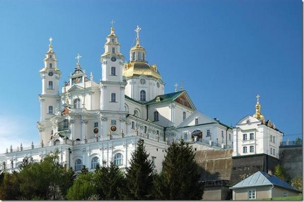 Почаївська міська рада офіційно визнала свою відданість Московському Патріархату?