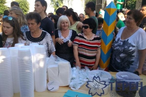 У Тернополі на «Галицькій Дефіляді» бились стравами (Фото, Відео)