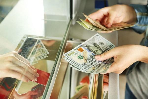 В Україні хочуть ввести податок на обмін валют