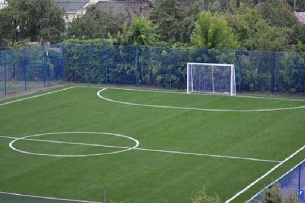 Ще одне футбольне поле оновили у Тернополі
