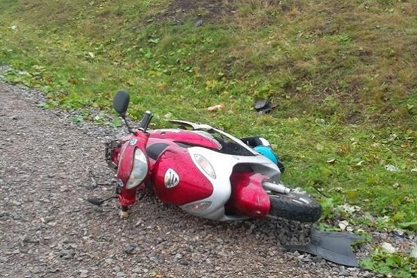 На Гусятинщині чоловік впав зі скутера 07e2bf8f22a46