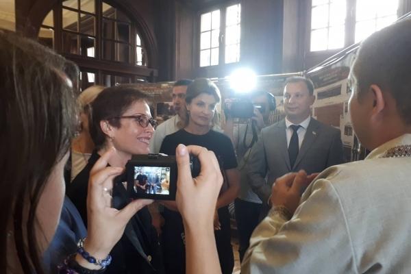 Перша леді України взяла участь у відкритті відреставрованої дзеркальної зали Вишнівецького замку (Фото)