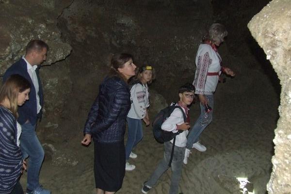Чим печера «Кришталева» здивувала першу леді України Марину Порошенко (Відео, Фото)