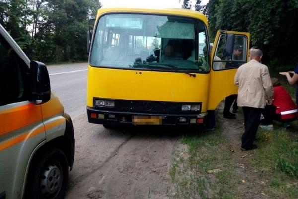 У Тернополі у водія автобуса під час руху стався інсульт