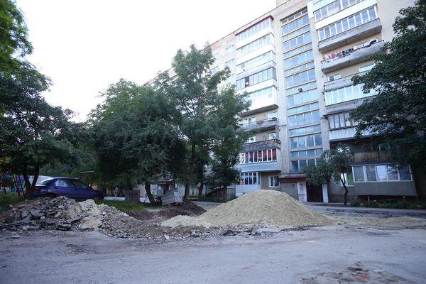 У Тернополі триває ремонт чергової вулиці (Фото)