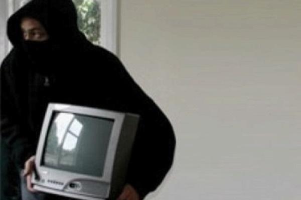 У Тернополі квартиранти з орендованого помешкання винесли телевізор