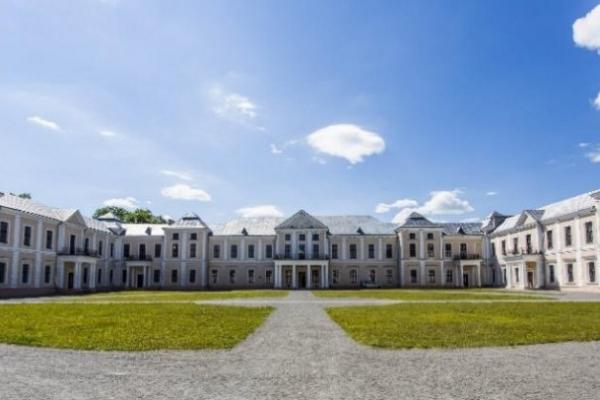 Популярний серіал «Кріпосна» знімали в одному з палаців Тернопільщини