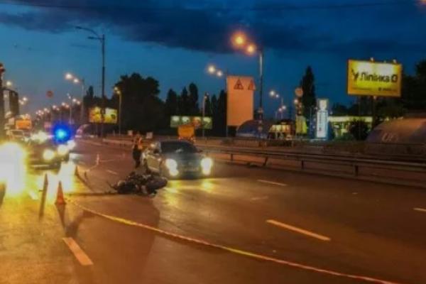 Автомобіль поліції потрапив у потрійну ДТП у Києві (Фото)