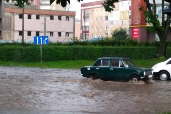 Як в Тернополі затопило Збаразьке кільце (Відео)