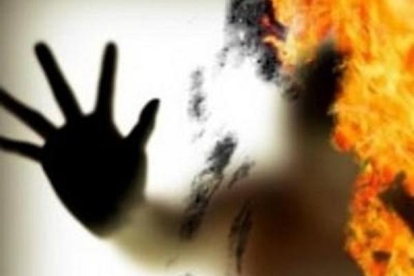 У Тернополі жінка ледь не вбила себе, свого чоловіка та 7-річного сина (Відео)