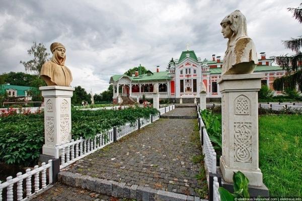 Куди поїхати в Україні: цікаві місця для вихідних