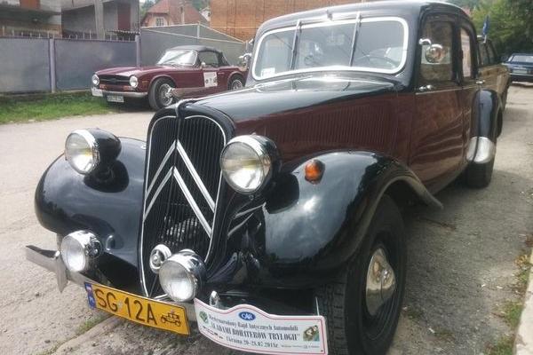 Міжнародне ралі ретро-автомобілів завітало й до Теребовлі