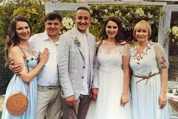 Керівник Тернопільського обласного штабу «Правого Сектору» відгуляв весілля (Фото)
