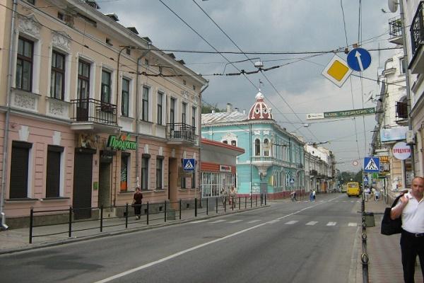 Тернополяни просять дозволити рух транспорту на одній з вулиць у вихідні дні