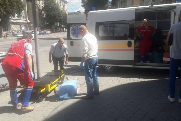 У Тернополі на вулиці помер чоловік (Фото)