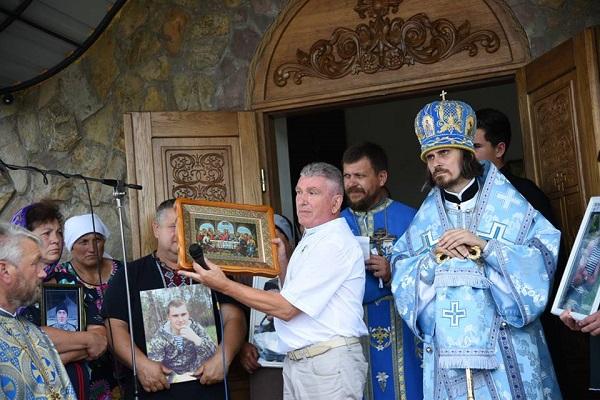Проща для родин загиблих військовослужбовців об'єднала на Тернопільщині всю Україну (Фото)