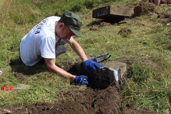 На Тернопільщині знайшли могилу першого рабина Бережан