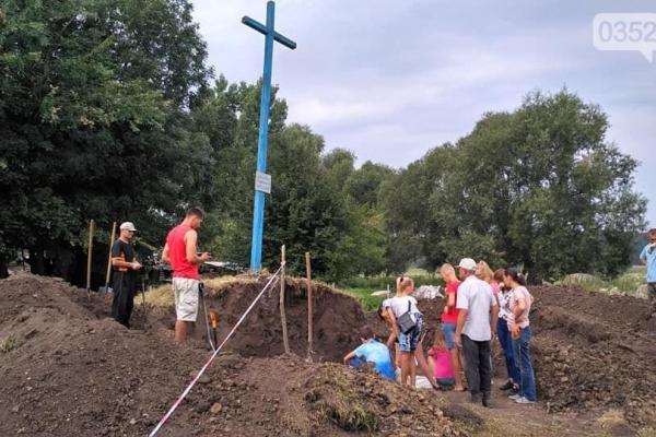 На Тернопільщині виявили рештки 20-ти загиблих воїнів (Фото)