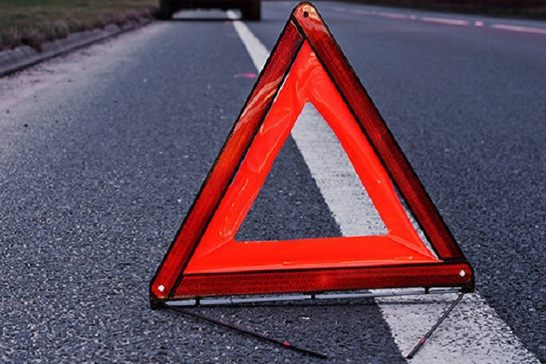 На Тернопільщині біля школи автомобіль збив дитину