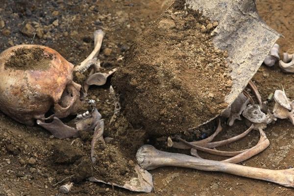 У Тернополі діти знайшли скелет людини у закинутому будинку