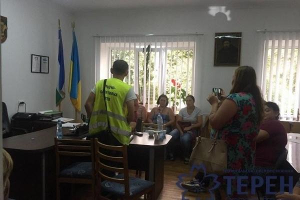 На Тернопільщині побились депутати міськради (Відео)