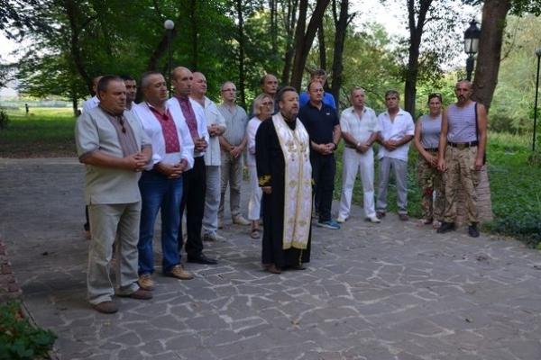 Волонтери із ГО «Теребовлянська вежа» День Незалежності України відзначили біля пам'ятника Небесній Сотні