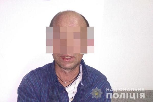 В одному з магазинів у центрі Тернополя вночі знайшли чоловіка (Відео)
