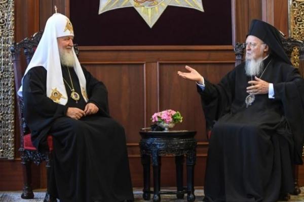 Охоронець Російського патріарха Кирила намагався отруїти Варфоломія? (Відео)