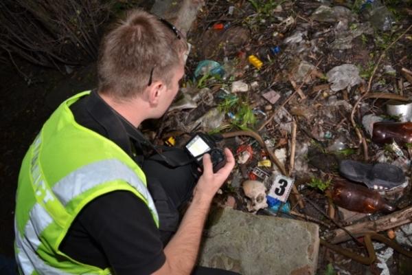 Тернопільські поліцейські розшукують матір немовляти, пошматоване тіло якого знайшли біля закинутого будинку
