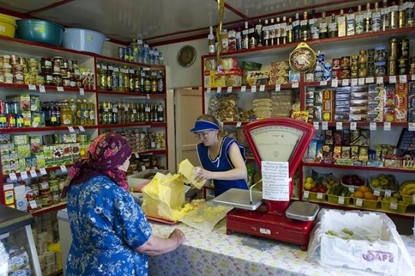 Пенсіонери Тернопільщини в магазинах беруть харчі в борг
