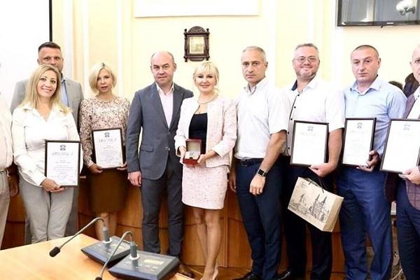 Понад три десятки соціально-відповідальних підприємців Тернополя отримали відзнаки від міської ради
