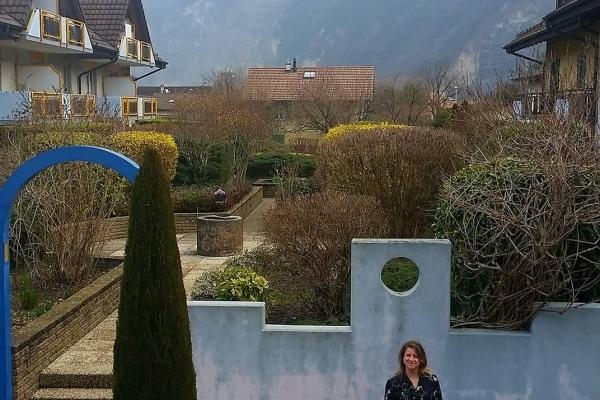 Тернополянка розповіла, що пенсіонери в Швейцарії заледве зводять кінці з кінцями