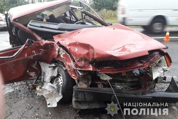 Зім'яті авто, водій відбувся переломом руки – наслідки ДТП у Теребовлянському районі