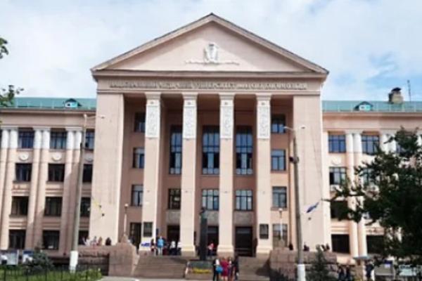 Нечуваний скандал у Києві: з університету Богомольця відрахували 1,5 тисячі студентів