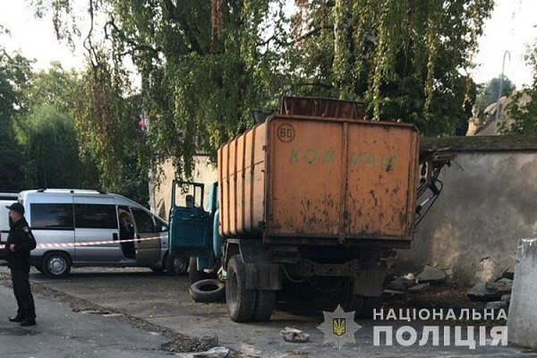 У центрі Бучача загинув водій сміттєвоза