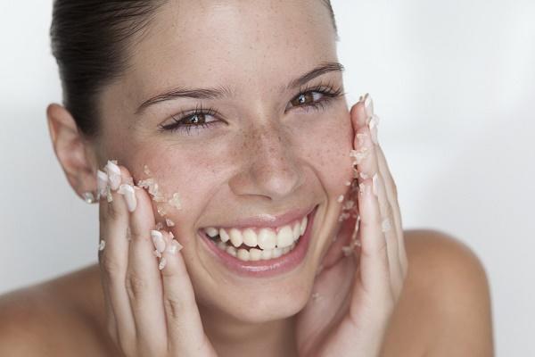Лайфхаки краси для тернополянок : топ-5 дієвих рецептів пілінгу обличчя в домашніх умовах