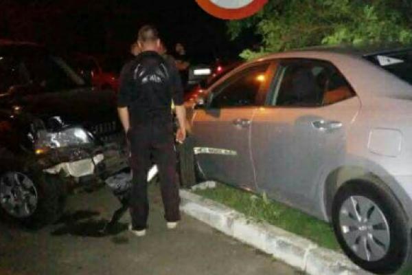 У Києві п'яний водій, тікаючи від поліції, розбив 5 авто (Фото)