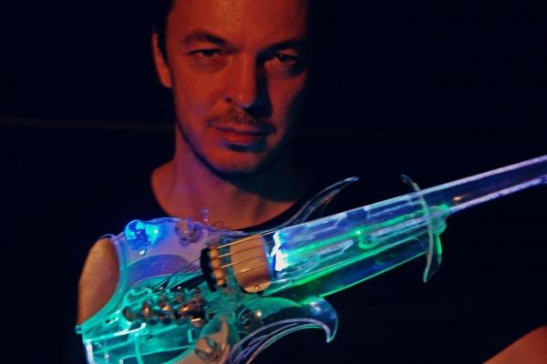 Магія скрипки зі скла (Відео)