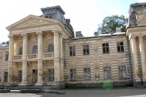 Графський палац у Коропці чекає на інвестора