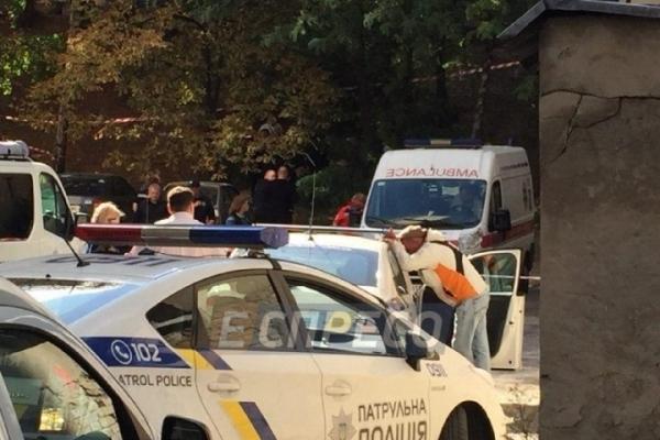 У Києві на смітнику знайшли пакет з мертвим немовлям