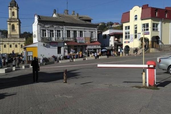 У Бучачі розпочали реконструкцію площі Ринок. У скільки це обійдеться місту? (Фото)