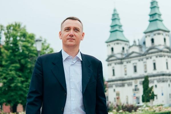 Олег Вітвіцький: «Політика – це покликання і служіння, а не той театр абсурду, який нам нав'язують»