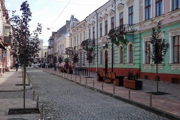 Оновлена вулиця Чорновола уже доступна для проїзду транспорту (Фото)