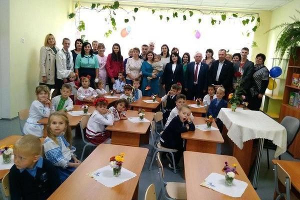 Василь Деревляний привітав вихователів та працівників дошкільних навчальних закладів з професійним святом