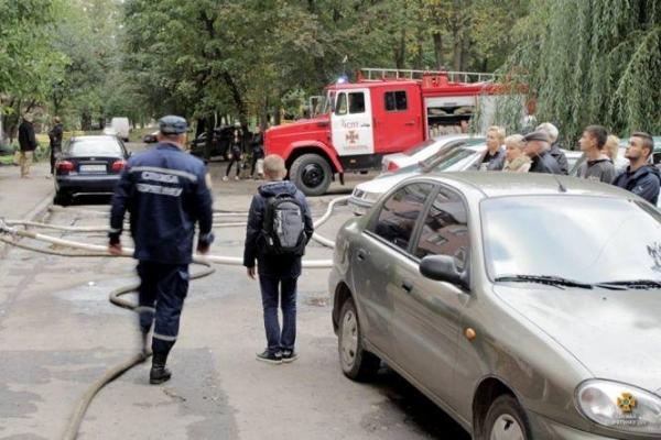 У Тернополі горіла багатоповерхівка - людей евакуювали (Фото)